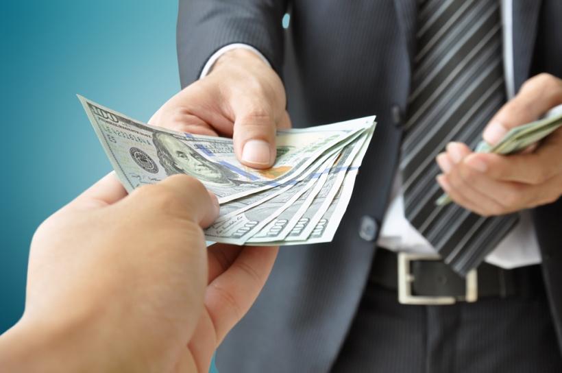 دیر حقوق دادن، فرقی با حقوق ندادن ندارد!